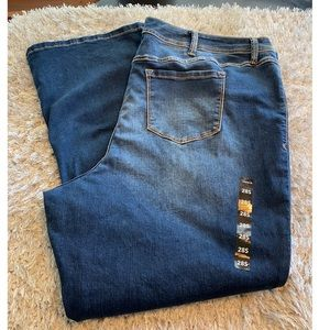 NWT Torrid Luxe Slim Boot Jeans